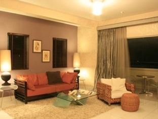 Amisha Vacation Home Kuala Lumpur - 3 Bedroom - Living Area