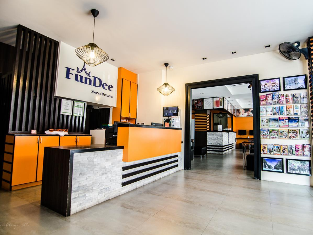 FunDee Boutique Hotel פוקט - קבלה