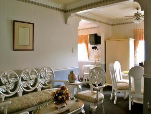 SM Travelodge Hotel & Restaurant - More photos