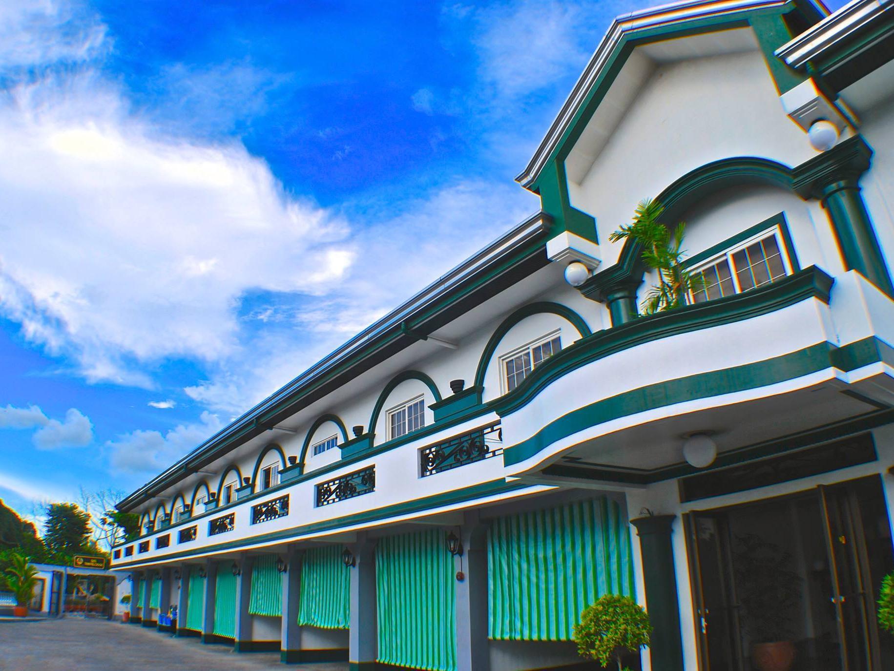 SM Travelodge Hotel & Restaurant