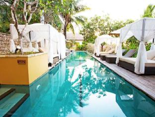 Batu Karang Lembongan Resort and Day Spa Bali - Swimming Pool