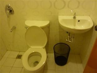 Blue Velvet Hotel & Cafe Давао - Ванна кімната