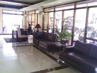 Blue Velvet Hotel & Cafe Davao City - Reception