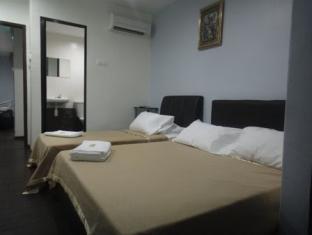 Ferringhi Inn & Cafe Penang - Triple Ensuite Room