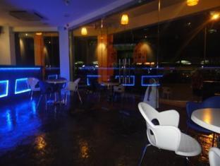 Ferringhi Inn & Cafe Penang - Feringghi Inn Cafe Exterior View
