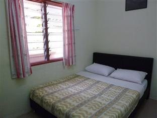 KRS Pines Guest House - Room type photo