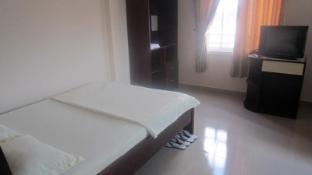 Le Phuong Hotel - More photos