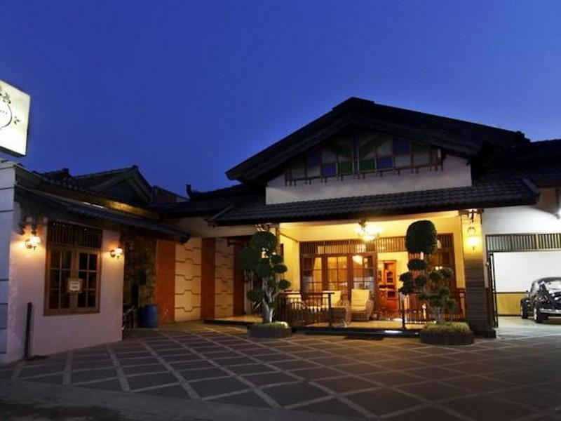 Omah Lawas Homestay - Hotels and Accommodation in Indonesia, Asia