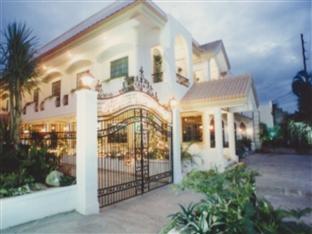 Villa Margarita Hotel Davao City - Hotel z zewnątrz