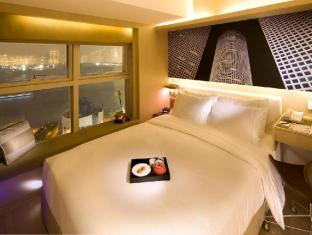 Hotel de Edge by Rhombus Hong Kong - Deluxe Harbour View Room