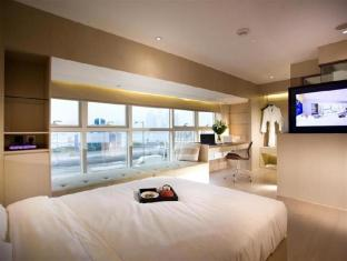Hotel de Edge by Rhombus Hong Kong - Executive Harbour View Room