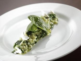 Hotel de Edge by Rhombus Hong Kong - Spinach Risotto in glo restaurant & lounge