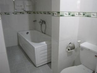 Ngoc Vang Hotel - More photos