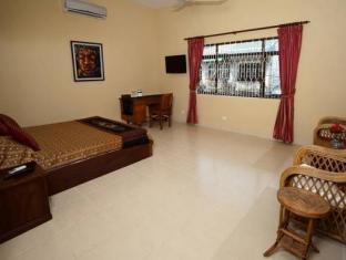 PC Hotel Phnom Penh - Hotellihuone