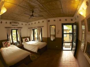 Maruni Sanctuary Lodge Park Narodowy Chitwan - Pokój gościnny
