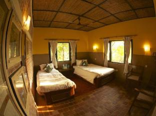 Maruni Sanctuary Lodge Chitwan - अतिथि कक्ष
