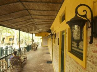 Maruni Sanctuary Lodge גן לאומי צ'יטובאן - מרפסת