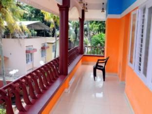 Backpackers Holidays Kochin Guest House Kochi / Cochin - Balcony
