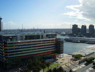 Docklands Executive Apartments - More photos