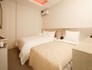Happy Tears Hotel - Room type photo