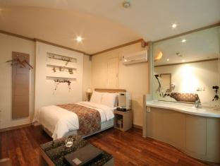 Hotel Manhattan - Room facilities