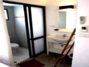 The White Hotel Koh Phi Phi - Bathroom