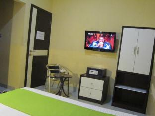 Wisma Sederhana Budget Hotel Medan - Executive Room Facilities