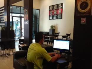 Wisma Sederhana Budget Hotel Medan - Internet Station