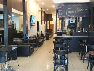 Wisma Sederhana Budget Hotel מדאן - בית קפה