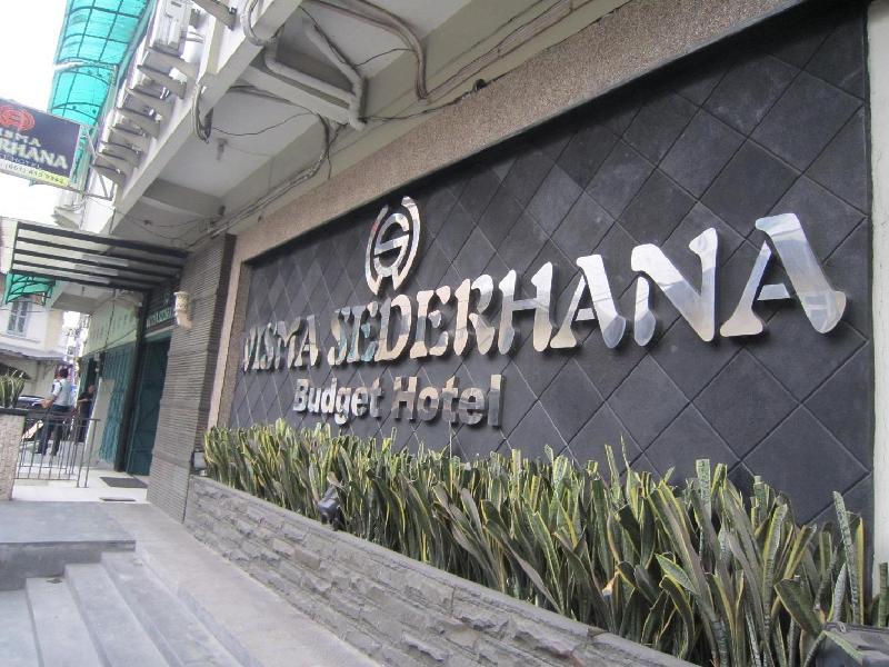Wisma Sederhana Budget Hotel מדאן