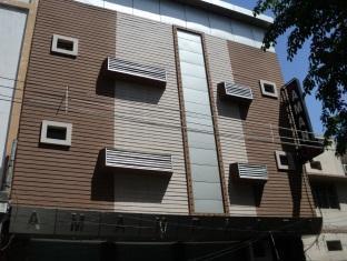 Hotel Aman Plaza - Hotell och Boende i Indien i New Delhi And NCR