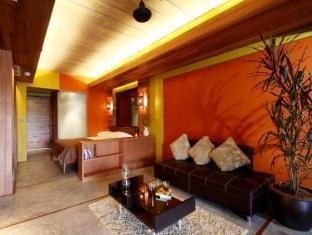 The Green Golf Residence Phuket - Studio - Living Area