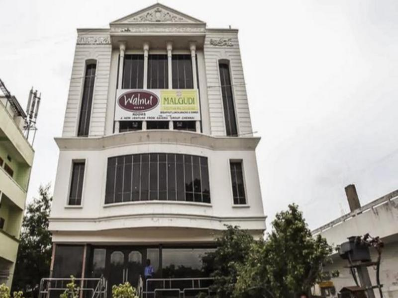 Walnut Hotel - Hotell och Boende i Indien i Hyderabad