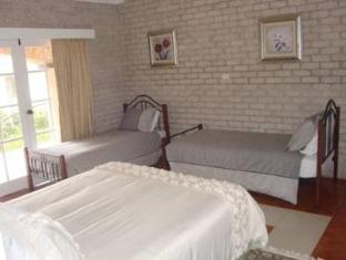 Caroline Bay Getaway Hotel Central Coast - Guest Room