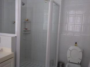Craigrownie Guest House Cape Town - Room 1 with separate shower