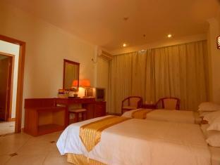 Golden Avenue Hotel - Room type photo
