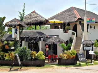 Charts Resort & Art Cafe Bohol - Είσοδος