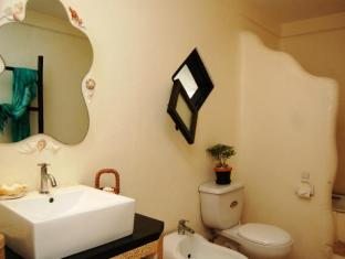 Charts Resort & Art Cafe Bohol - Banyo