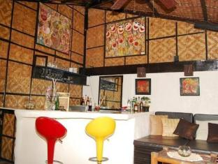 Charts Resort & Art Cafe Bohol - Interior Hotel
