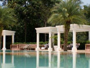 The Chateau Spa & Organic Wellness Resort Kuala Lumpur - Salt Swimming Pool