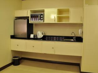 O Hotel Bacolod (Negros Occidental) - Matthew Suite - Kitchen
