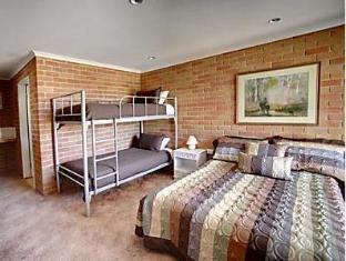 Kaniva Colonial Gardens Motel - Room type photo