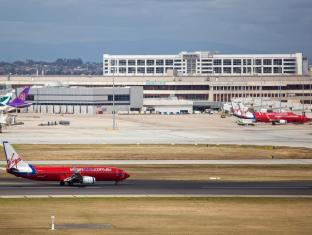 PARKROYAL Melbourne Airport Melbourne - Esterno dell'Hotel