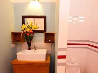 Villa Srey Boutique Hotel Phnom Penh - Bathroom