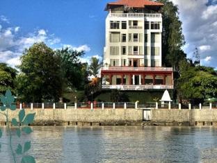 Ganga Kinare - A Riverside Boutique Hotel