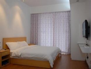 Colourful Red Star Hotel - Room type photo