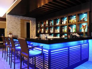 Harolds Hotel Cebu City - Bar/Bekleme Salonu