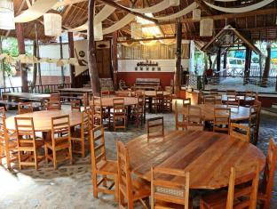 Bohol Bee Farm Hotel Panglao Island - The Cave's Restaurant