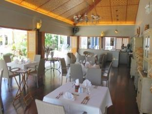 Linaw Beach Resort and Restaurant Бохоль - Ресторан