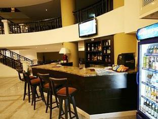 Summer Spring Hotel Pattaya - Lobby with Drinks Shop